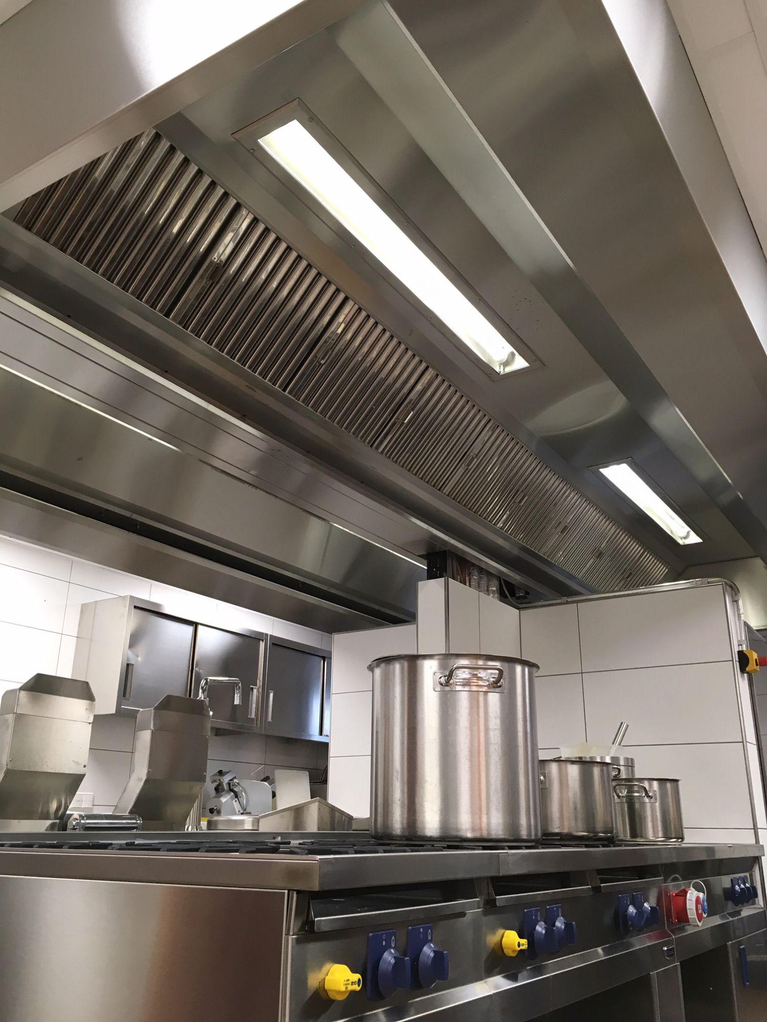 Küchenabluft - Klimaanlagen-Gastrotechnik-Lüftung-Kälte